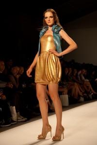 mercedes benz fashion week,new york fashion week,fashion week spring 2011,venexiana spring 2011